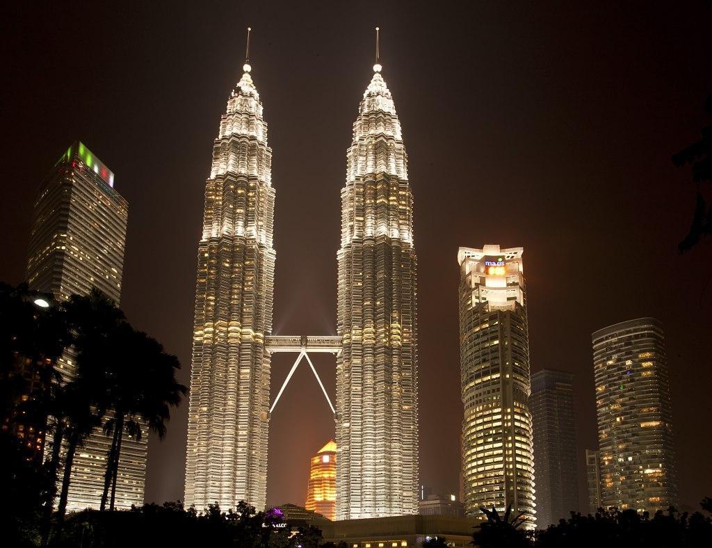 آشنایی با برج های پتروناس مالزی