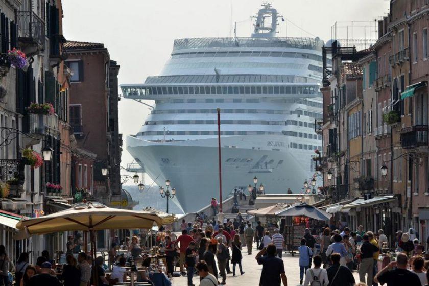 یونسکو صنعت کشتی کروز را متهم به از بین بردن آثار فرهنگی اروپا کرد