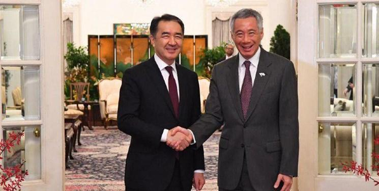تاکید نخست وزیران قزاقستان و سنگاپور بر توسعه همکاری های مالی