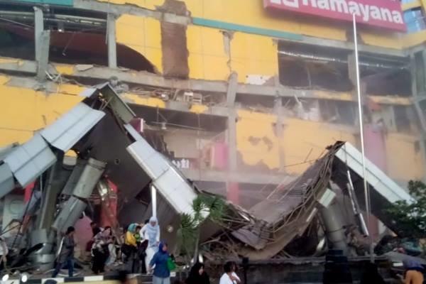 48 کشته بر اثر وقوع زمین لرزه و سونامی در اندونزی