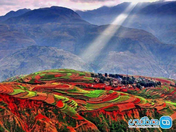 دانگ چوآن چین، شهرمزارع پلکانی خوش رنگ و لعاب