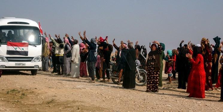 ادامه استقرار ارتش سوریه در مرز ترکیه و استقبال مردم