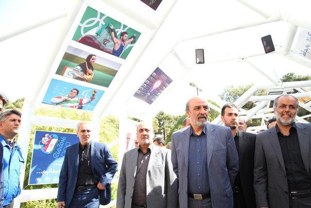 حضور یک وزیر و یک معاون وزیر در نمایشگاه هنر تدبیر