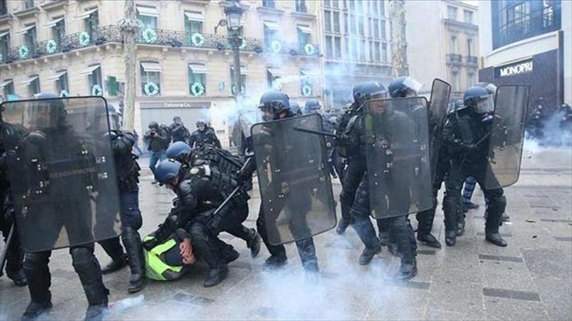 فرانسوی ها برای آزادی سیاه پوست بازداشتی در لیل تظاهرات کردند