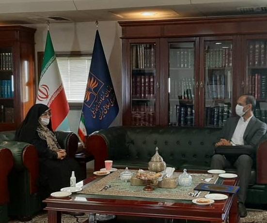 کتابخانه ملی ایران آمادگی آموزش بازسازی نسخ خطی در تانزانیا را دارد