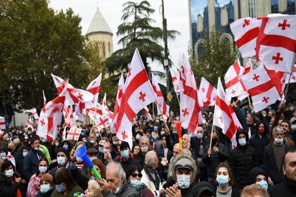 گرجستان نیز صحنه اعتراضات پسا انتخاباتی شد