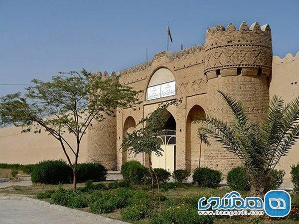 قلعه ناصری با رعایت پروتکل های بهداشتی میزبان گردشگران است