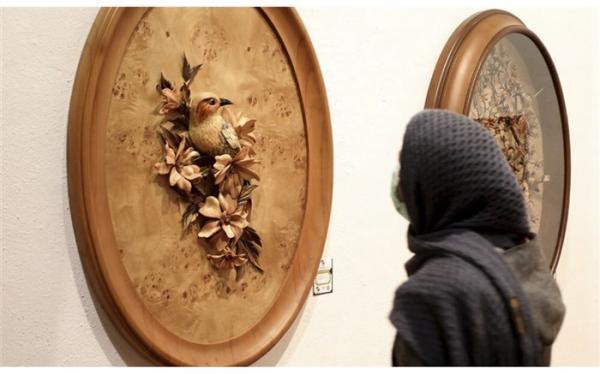 آثار بانوان برگزیده ادوار مختلف درجشنواره هنرهای تجسمی فجر