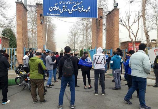 تجمع دوباره طرفداران استقلال و شعار علیه فکری، درخواست غفوری از معترضان