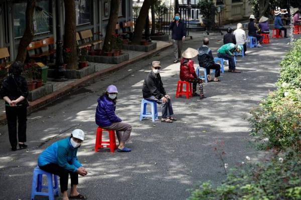 مردم برزیل در صف غذا