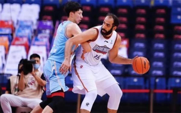 ستاره ایرانی در بین برترین های لیگ بسکتبال چین