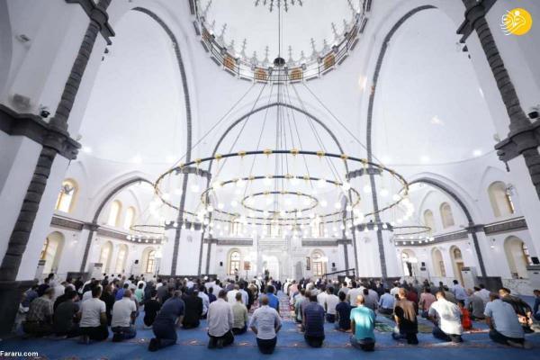 شرکت بشار اسد در نماز عید قربان حمص
