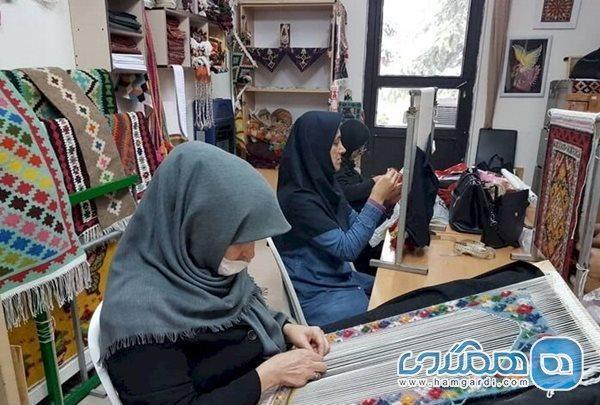 310 صنعتگر روستایی هنرهای سنتی و دستی استان همدان بیمه شدند