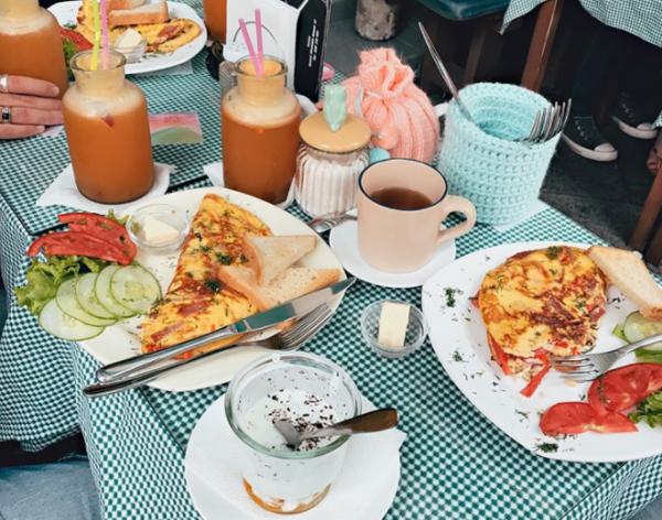برترین مکان ها برای برانچ و صبحانه در باتومی