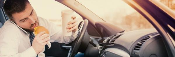 ویزای کانادا: از ماه آینده رانندگان کانادایی به علت خوردن در حین رانندگی 1000 دلار جریمه می شوند