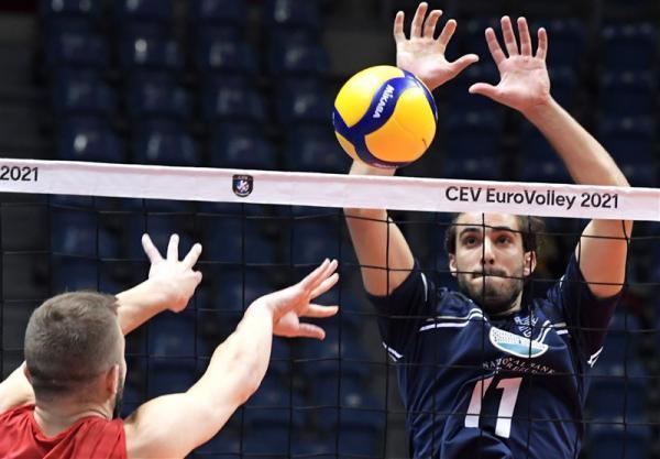 تور یونان: والیبال قهرمانی اروپا، پیروزی سخت شاگردان کواچ مقابل یونان، آلمان بر لتونی غلبه کرد